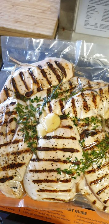 Grilled Garlic & Thyme Chicken Breast (single 300-400g)