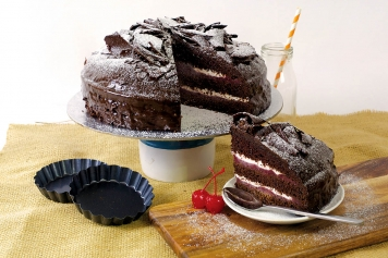 Cake: Black Cherry And Chocolate