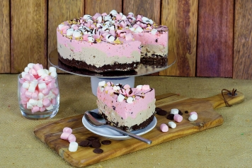 Cake: Rocky Road Cheesecake